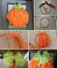 Pumpkin Deco Wreaths, Wreath Ideas, Diy Fall Wreath, Wreath Crafts, Holiday Wreaths, Halloween Wreaths, Halloween Crafts, Halloween Pumpkins, Door Wreath
