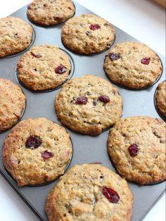 Banana, Cranberry, Oatmeal Breakfast Muffin - Momcrieff