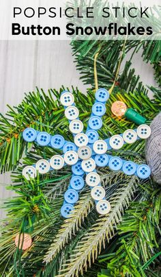 Easy DIY Button Snowflake - Popsicle Stick Snowflake Craft We have a massive amount of buttons so we used them to make this easy DIY Button Snowflake. These popsicle stick snowflake crafts are so much fun! Popsicle Stick Snowflake, Snowflake Craft, Popsicle Stick Crafts, Popsicle Sticks, Craft Stick Crafts, Snowflakes, Plate Crafts, Yarn Crafts, Do It Yourself Projects