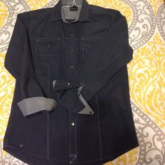 7 Diamond button up Excellent condition. NWOT. size small. Buckle Tops Button Down Shirts