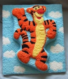 A different take on the Tigger tin I used for Chu's 1st birthday.
