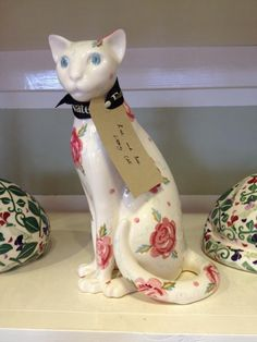 Emma Bridgewater Studio Special Rose & Bee Sitting Up Cat for Collectors Day 2014