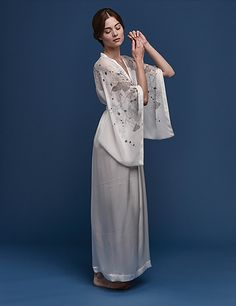 Explore our range of beautiful silk lounge kimonos, dresses and kaftans. Unique prints and contemporary designs for modern luxury living. Satin Kimono, Kimono Dress, Kimono Style, Kimono Fashion, Nightwear, Dress Making, Lounge Wear, Fashion Models, Women Wear
