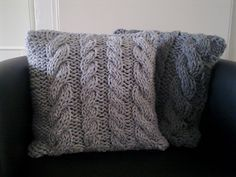 Ravelry: Four cables pillow pattern by A la Sascha