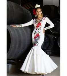 Flamenco Costume, Mexican Fiesta Party, Fiesta Party Decorations, Nice Dresses, Formal Dresses, Diy Craft Projects, Costumes, Mom, Beauty