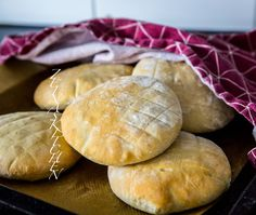 Lepinja- Luftigt bröd från Balkan - ZEINAS KITCHEN