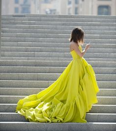 Fluo fashion lifestyle inspiration