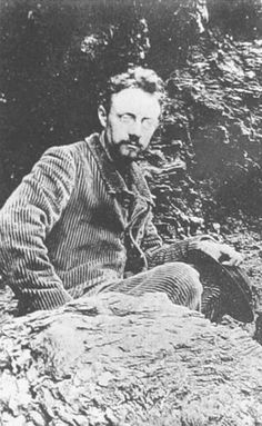 Matisse photographed by his friend  Emile Weryin 1896 during a visit to Belle-Ile, in Britany.