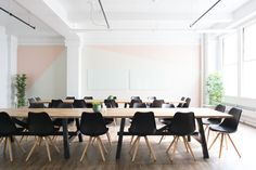 Green Event Management Strategies: How to Plan a Sustainable Business Event Home Office, Office Fit Out, Desk Office, Office Style, Office Decor, Office Images, Office Pictures, Happy At Work, Coworking Space