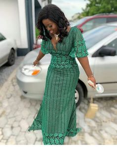 2019 Beautiful Designs of Asoebi to Copy - Naija's Daily Latest Ankara Gown, Ankara Gown Styles, Latest Ankara Styles, Ankara Gowns, African Lace Dresses, African Fashion Ankara, Designer Dresses, Fashion Outfits, Wedding Outfits