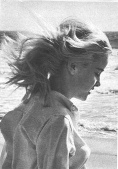 Sue Lyon Iguana