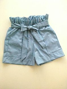 Linen short trousers, linen, fashion short in blue linen sky. Short with ruffled waist Short Outfits, Fall Outfits, Kids Outfits, Summer Outfits, Cute Outfits, Fashion Outfits, Short Niña, Short Girls, Baby Dress Patterns