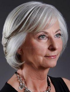 rövid+frizurák+50+felett+-+bubifrizura+60+év+feletti+nőknek