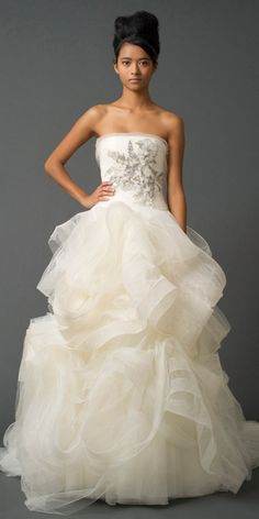 This is from Vera Wang's fall 2011 bridal collection. I love it!! And I'm excited for her junior's line!