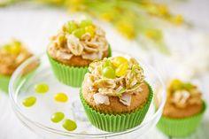 Babeczki wielkanocne - Kokosowo-Limonkowe. Poznaj przepis - kliknij w zdjęcie! #wielkanoc