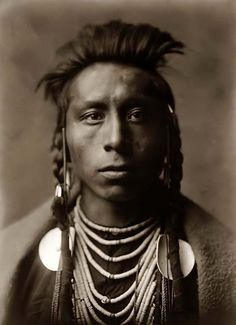 Native American: Crow Warrior - Pixdaus