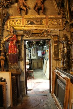 Entrance to Workshop of Bartolozzi - See more at: http://chambersarchitects.com/blog/254-chambers-architects-in-florence-handcrafted-furniture-boutique-of-bartolozzi-and-maoili.html