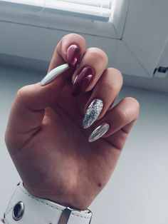 What Christmas manicure to choose for a festive mood - My Nails Perfect Nails, Gorgeous Nails, Pretty Nails, Hot Nails, Hair And Nails, Kylie Jenner Nails, Glitter Nail Art, Nagel Gel, Nail Manicure