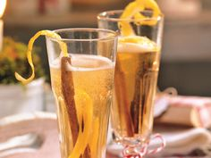 Quitten-Aperitif Cocktails, Drinks, Pint Glass, Mugs, Tableware, Tuscany, Monogram, Classy, Food
