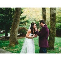 We plan and design the wedding as the need of couples like private elopements, small celebrations and large weddings.