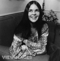 20 Beautiful Black & White Photos Of American Actress Ali MacGraw From The Hippie Style, Hippie Man, Ethno Style, 70s Style, Hippie Chic, Bohemian Style, Ali Macgraw, Audrey Hepburn, Katharine Ross