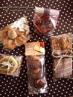 How to knit the Seersucker stitch. Pattern includes written instructions and chart Brownie Packaging, Baking Packaging, Fruit Packaging, Gift Box Packaging, Food Packaging Design, Chocolate Packaging, Dog Recipes, Sweets Recipes, Cookies Branding