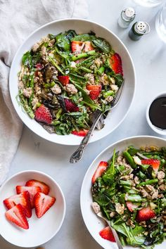 Strawberry Balsamic Paleo Cauliflower Rice Ground Turkey Skillet is a 30 minute healthy meal. A one pot wonder for when you need dinner on the table fast! #paleo #skilletdinner #onepotmeal
