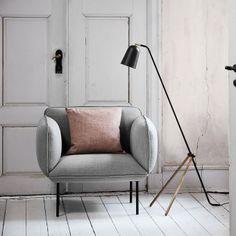 lampadaire style scandinave en bois noire