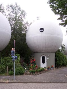 Sphere House (Bolwoning) in Den Bosch - The Netherlands