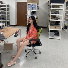 점심 때 보쌈 먹는데 참았다ㅠ #딜라잇문#쇼핑몰 Ulzzang Girl, Japanese Girl, Korean Girl, Aesthetics, Kpop, Girls, House, Ideas, Fashion