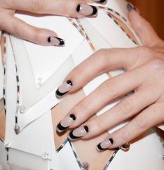 Kate Hudson's nail artist detailed how to recreate her MET Gala manicure.
