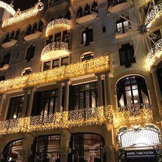 #hotel #casafuster #christmas #decoration #light #streetstyle #streetphotography #travel #girl #enjoy #life #barcelona #city #family #friends #ilovebcn #cute #europe #spain #happy #smile #thanks #haveanicenight