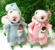 Rosy Is A Sweet Needle Felted Mouse And Clover by WildWoodHollow, $130.00
