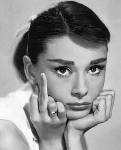 Audrey Hepburn Giving the Finger - fuck you - middle finger Aubrey Hepburn, Todays Mood, Angry Face, The Face, Photo Portrait, Classy Girl, Portraits, Fashion Quotes, Madame