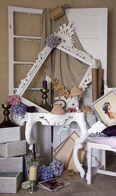 Restauro e reciclagem de mobiliário  http://www.facebook.com/KoresLokas?ref=hl