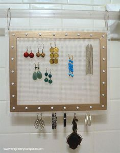 DIY Hanging Earring Organizer #jewelry #storage #easy
