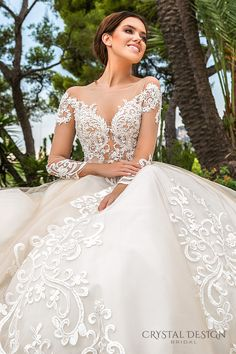 2019 Newest Long Sleeves Ball Gowns Wedding Dresses Modest Sheer Neckline Lace Appliques Bridal Gown Court Train Robe Mariage Wedding Dress Sleeves, Modest Wedding Dresses, Designer Wedding Dresses, Bridal Dresses, Lace Sleeves, Formal Dresses, Tulle Ball Gown, Ball Dresses, Ball Gowns