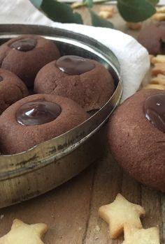 Schokoladen Küsse Up, Pancakes, Dishes, Cookies, Breakfast, Desserts, Food, Chocolates, Proper Tasty