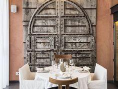 Magnifique déco avec une vieille porte
