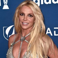 Britney Spears Reveals the Fast Food Item She Loves to Order Britney Spears, Date Night Dinners, Fast Food Items, Star Wars, Dating Tips For Men, Date Dresses, Crush Quotes, Savannah Chat, Flirting