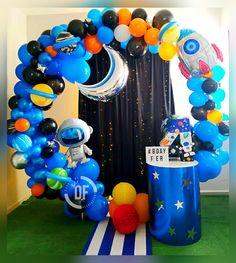 Decoración para fiesta del espacio o astronauta 2nd Birthday Party Themes, Second Birthday Ideas, 1st Boy Birthday, Birthday Balloons, Balloon Decorations Party, Birthday Decorations, Nasa Party, Space Party, Diy