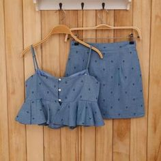 Buy 'Ando Store – Set: Ruffled Printed Denim Cropped Top Skirt' with Free International Shipping at YesStyle.com. Browse and shop for thousands of Asian fashion items from China and more!