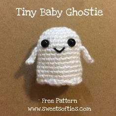 Looking for a fun, easy, and quick crochet project to whip up for this Halloween season? Well, look no further! This tiny, baby ghosti...