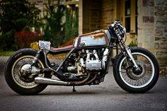1975 Honda Gold Wing custom A première vue, une moto dans son jus. Et bien non, juste un custom de bon goût réalisé par Paul Dutra.