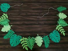 diy birthday banner Your place to buy and sell all things handmade Leaf Banner - Moana Birthday Party - Moana Decorations- Moana Party - Maui - Leaf Party Decor - Moa Safari Birthday Party, Luau Party, Birthday Parties, Moana Birthday Party Ideas, Jungle Theme Parties, 30th Birthday, Moana Decorations, Birthday Party Decorations Diy, Diy Jungle Decorations
