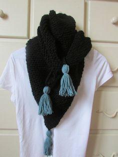 Crochet Necklace, Fashion, Ruffles, March, Crocheting, Manualidades, Clothing, Moda, Fashion Styles