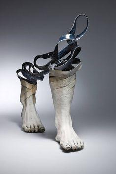 Unraveling Ceramic Sculptures Symbolizing Passing Time – Fubiz Media