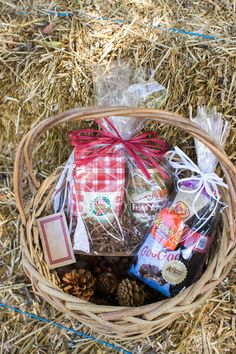 Custom bundles with classic treats and ingredients for delicious desserts are a great way to say thank you this season. Pick one up at your local Cracker Barrel Old Country Store.