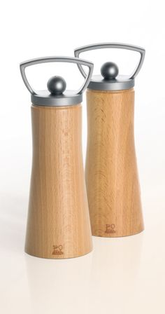 Designed for Today / Mills by Ales for Peugeot. Salt And Pepper Mills, Salt And Pepper Grinders, Salt Pepper Shakers, Wooden Pepper Mill, Wooden Art, Le Moulin, Peugeot, Microsoft Project, Stuffed Peppers
