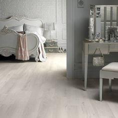 Natural Wood Effect Vinyl Flooring Planks